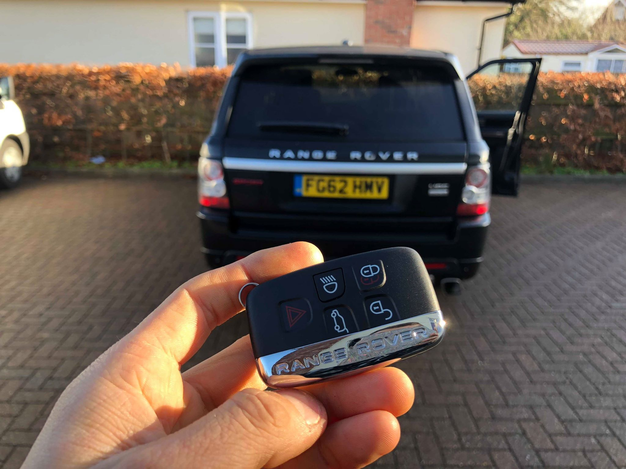 Range Rover Vogue Auto Locksmith